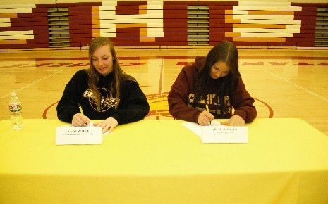 Copy of Signing Day 008.jpg